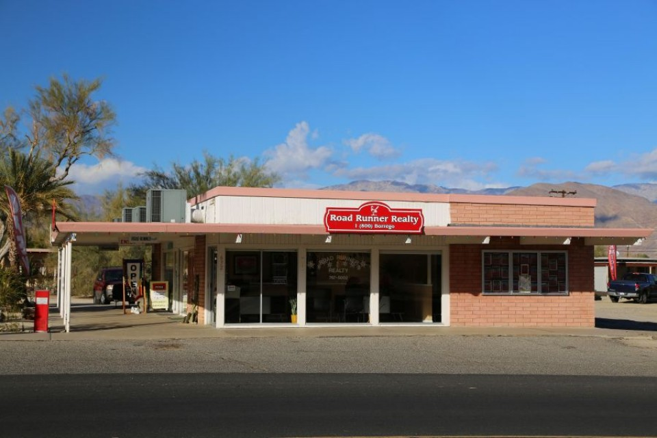 Road RUnner Realty Front Office